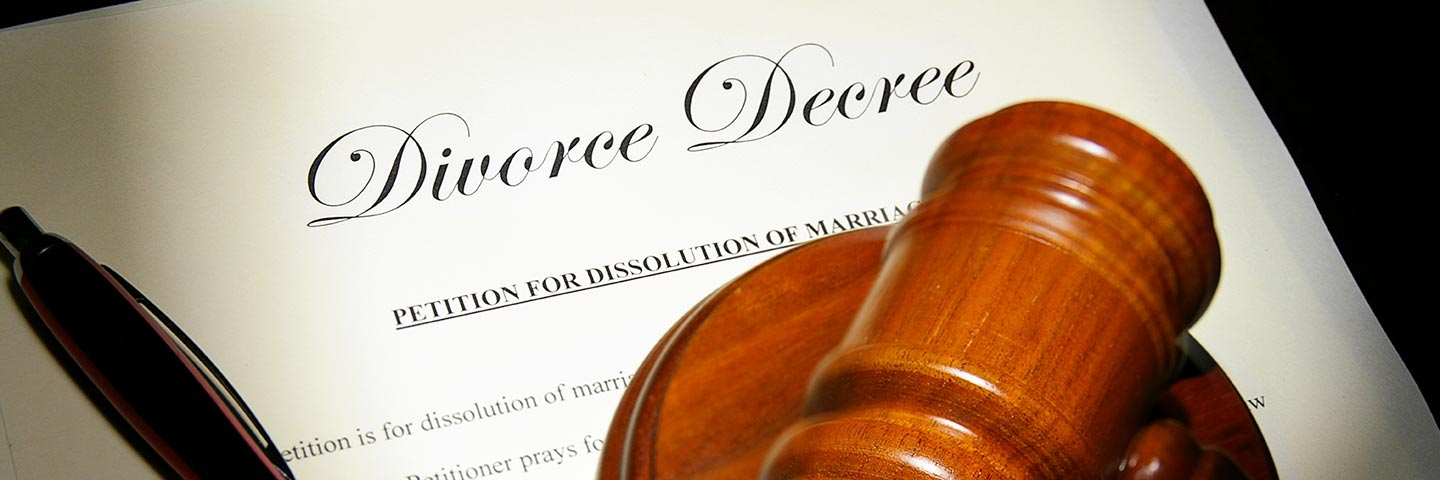 who can notarize a legal separation document in canada